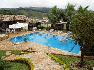 Lindoia casa c/ piscina 5 dormit. sendo 3 suites - Lindoia vacation rentals