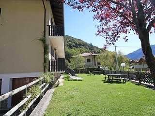 2 bedroom Apartment with Internet Access in Molina di Ledro - Molina di Ledro vacation rentals