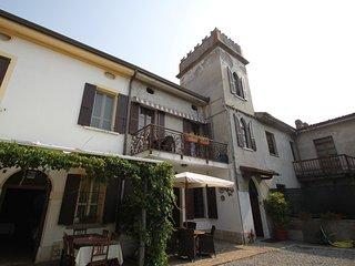 2 bedroom Apartment with Internet Access in Peschiera del Garda - Peschiera del Garda vacation rentals