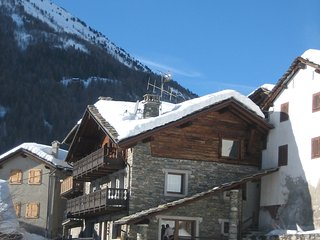 Cozy 1 bedroom Cogne Apartment with Internet Access - Cogne vacation rentals
