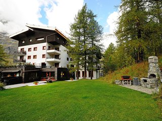 Bright Condo with Internet Access and Television - Breuil-Cervinia vacation rentals