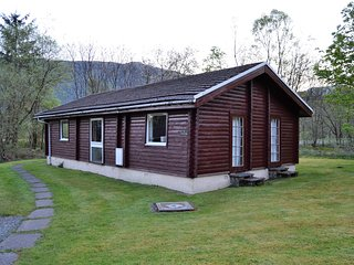 Log Cabin ,Luxury, Pucks Glen, Loch Eck, Rashfield, Dunoon, Scotland - Rashfield vacation rentals