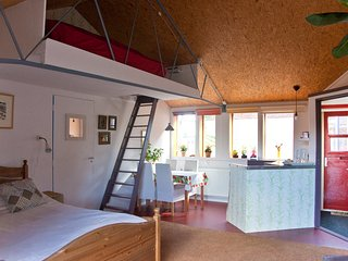 Nice Bed and Breakfast with Housekeeping Included and Balcony - Roelofarendsveen vacation rentals