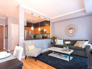 Modern Luxury in the Heart of Toronto - Toronto vacation rentals