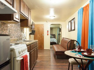 Comfortable Studio with Internet Access and A/C - Mount Vernon vacation rentals