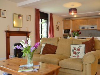 3 bedroom Cottage with Internet Access in Ab Lench - Ab Lench vacation rentals