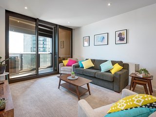 6 STAR LUXURY, RIVER VIEW 3BDR 3BATH 1CAR + WIFI - Melbourne vacation rentals