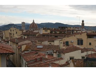 1157G SANTA MARIA APARTMENT WITH VIEW - Florence vacation rentals