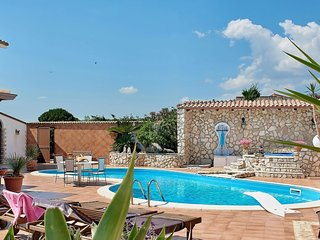 Bright 3 bedroom Castellammare del Golfo House with Internet Access - Castellammare del Golfo vacation rentals