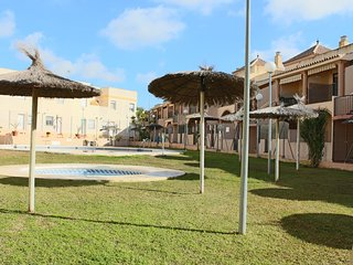 2 bedroom Apartment with Shared Outdoor Pool in Chiclana de la Frontera - Chiclana de la Frontera vacation rentals