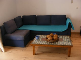 Bright House with A/C and Television - Tahivilla vacation rentals