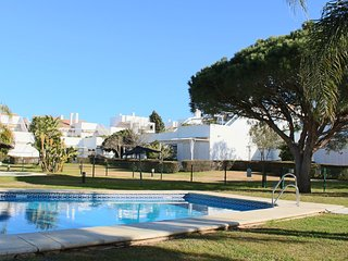 Nice Condo with Shared Outdoor Pool and Television - Chiclana de la Frontera vacation rentals