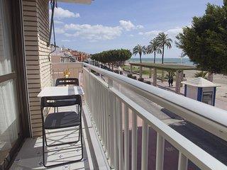 Apartamento primera linea Palo planta primera - Pedregalejo vacation rentals