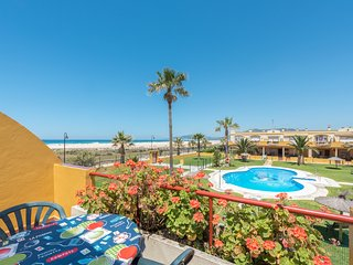 Nice 1 bedroom Tarifa Apartment with Shared Outdoor Pool - Tarifa vacation rentals