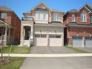 4 bedroom House with Internet Access in Richmond Hill - Richmond Hill vacation rentals