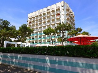 Comfortable Lignano Sabbiadoro vacation Apartment with Television - Lignano Sabbiadoro vacation rentals