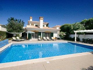 Casa Matelou, luxury 5 bedroom villa, Large private pool, A/C, Wi-Fi - Luz vacation rentals