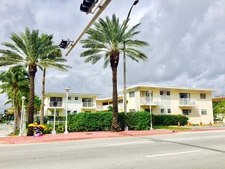 BEACH PLACE/POOL/WIFI/FREE PARKING/SLEEPS 8/0014. - Surfside vacation rentals