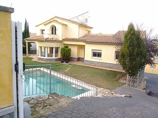 Comfortable Villa with Television and Microwave - Olivella vacation rentals