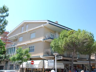 Comfortable 1 bedroom Cattolica Apartment with A/C - Cattolica vacation rentals