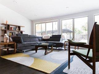 2 bedroom House with Television in Dallas - Dallas vacation rentals