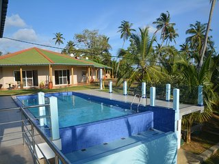 Beautiful 4 bedroom Guest house in Pitiwella - Pitiwella vacation rentals