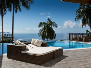 Luxury villa Queen with privat pool, ocean view, full service - Port Glaud vacation rentals