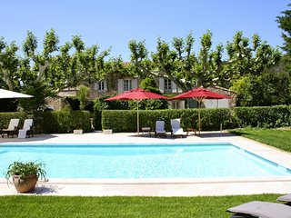 Lovely Villa with Parking and Washing Machine - Eygalieres vacation rentals