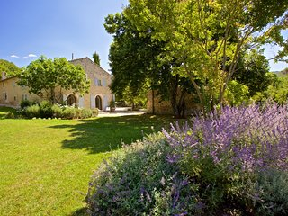 Beautiful Villa with Parking and Washing Machine - Bonnieux vacation rentals