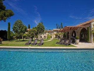 Comfortable 6 bedroom Villa in Saint-Remy-de-Provence - Saint-Remy-de-Provence vacation rentals