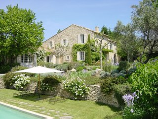 Charming Villa with Private Outdoor Pool and Fireplace - Goult vacation rentals