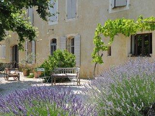 Sunny L'Isle-sur-la-Sorgue Villa rental with Parking - L'Isle-sur-la-Sorgue vacation rentals