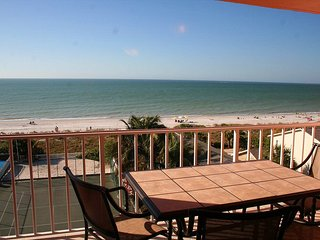TOP FLOOR DIRECT OCEAN FRONT LUXURY BEACHFRONT CONDO - Indian Rocks Beach vacation rentals