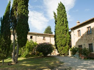 Beautiful Condo with Internet Access and Shared Outdoor Pool - Ginestra Fiorentina vacation rentals