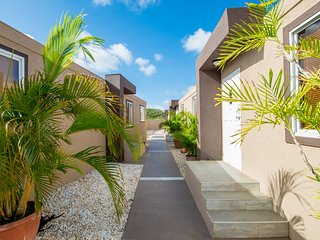 Xanthys #2 Close to Eagle Beach and Great Restaurants - Palm/Eagle Beach vacation rentals