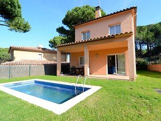Nice Villa with Washing Machine and Television - Mas Pinell vacation rentals