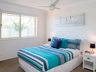 Gold Coast Theme Park - Family Friendly Villa - Upper Coomera vacation rentals