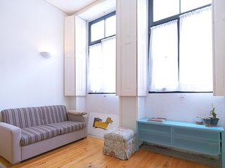 Music Duplex apartment in Cedofeita with WiFi. - Porto vacation rentals