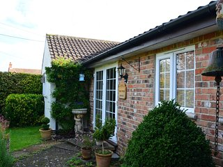 1 bedroom Bungalow with Internet Access in Westonzoyland - Westonzoyland vacation rentals