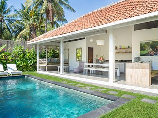 Gili Khumba Villas Two Bedroom - Gili Trawangan vacation rentals