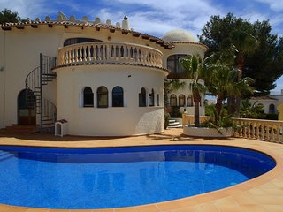 Nr MORAIRA CASTILLO del SOL, Nr GOLF COURSE, Sleeps 10 Private Pool wifi UKTV - Benissa vacation rentals