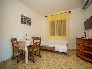 TH01972 Apartments Protega / One Bedroom A3 - Okrug Gornji vacation rentals