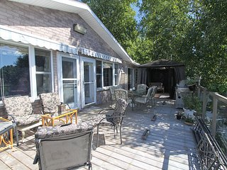 Ranger Bay Getaway cottage (#1114) - French River vacation rentals