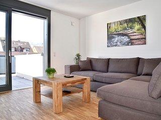 3-Bedroom Furnished Apartment Stuttgart Downtown - Stuttgart vacation rentals