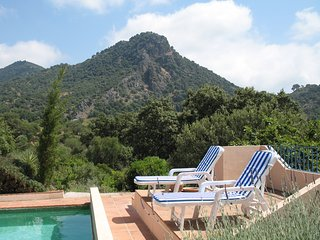 Spacious country villa, 4/5 ensuite beds,15 x 5 m pool, wonderful mountain views - Gaucin vacation rentals