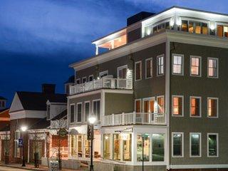 84 Main Boutique, Historical Kennebunk, Maine - Kennebunk vacation rentals