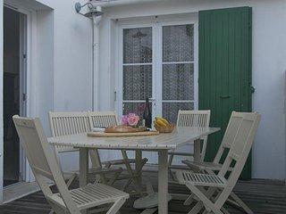Bleuet Location T4***, Résidence Le Clos Rhea - Saint Martin de Re vacation rentals