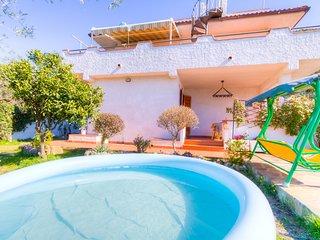 Sea View HolidayVilla x6 ♥ Pool 3Bedrs 2Bathrs  ☼Pool  ☼WiFi  ☼Garden  ☼Parking - Maranola vacation rentals