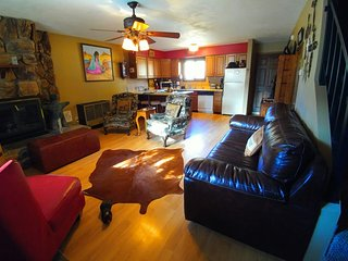 Sawmill #1 - Duplex in Town, Large Private Deck, Washer/Dryer - Red River vacation rentals