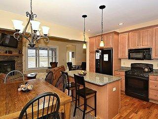 White Aspen, a true four season gem; terrific location and great amenities. - Davis vacation rentals
